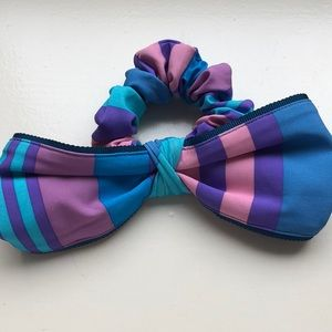 Other - IVIVVA BOW SCRUNCHIE